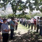 Adana'da intihar eden baba ve öldürdüğü iki kızı toprağa verildi