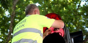 Trafik Şube Müdürlüğü: Sakarya'da trafik lambalarında 'Maske Tak' farkındalığı