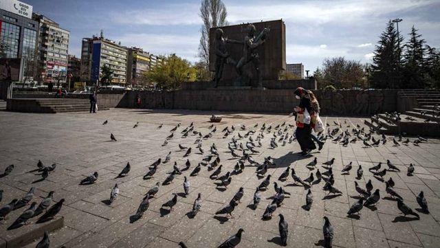 Son Dakika: Ankara'da vaka sayılarındaki artış sebebiyle toplantı ve gösteri yürüyüşü 15 gün süreyle kısıtlandı