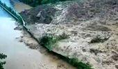 Çin'de 7 gündür süren sel felaketi böyle görüntülendi
