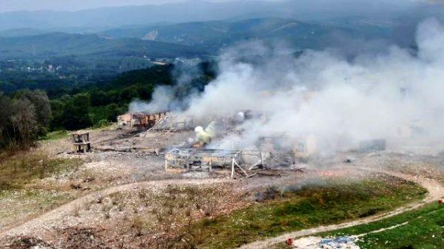 Sakarya'da patlamanın meydana geldiği havai fişek fabrikası harabeye döndü