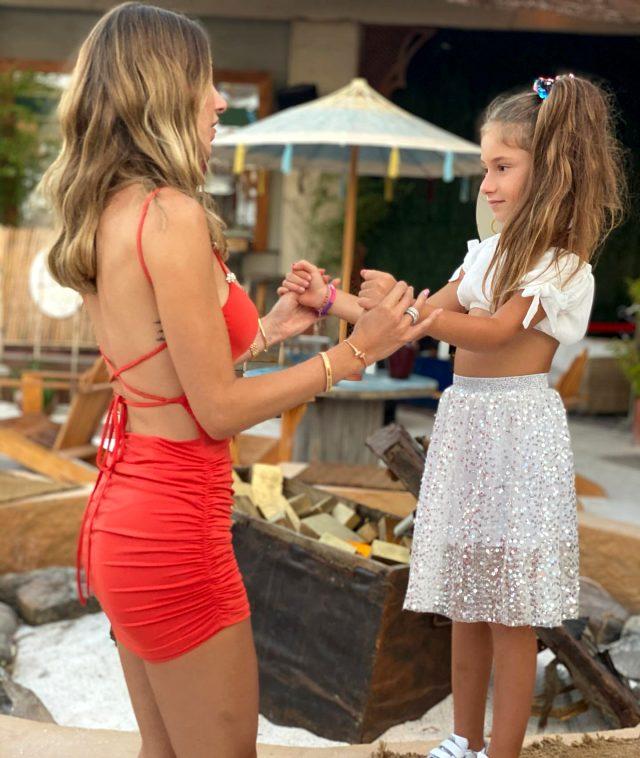 Şeyma Subaşı yeni yaşını kırmızı mini elbiseli pozlarıyla kutladı! Takipçileri beğeni yağdırıyor