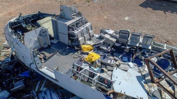 Antalya'da hasar görüp kullanılamaz hale gelen yolcu uçağı, hurdalıkta yeni alıcısını bekliyor