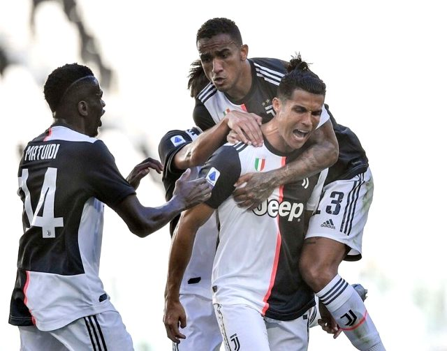 Cristiano Ronaldo, 1960/61 sezonundan beri Juventus'ta bir sezonda 25 gol atan ilk futbolcu oldu