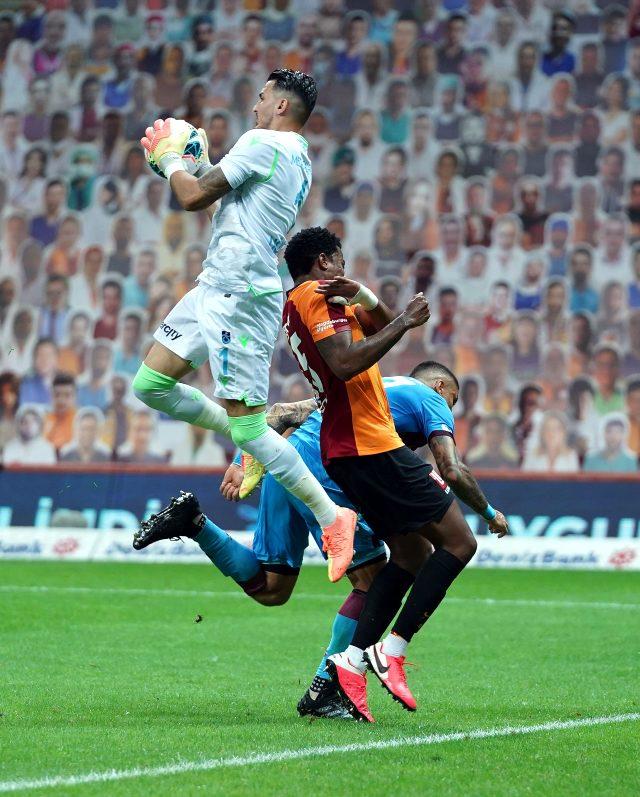 Dev maçta Trabzonspor, deplasmanda Galatasaray'ı 3-1 mağlup etti