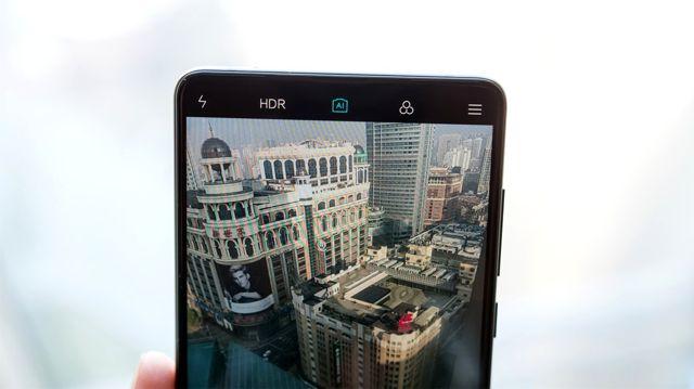 Xiaomi, Çoklu Çekimdeki En İyi Fotoğrafı Seçen Yapay Zekayı Geliştiriyor!