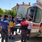 Aksaray'da koluna bahçe kapısının demiri saplanan engelli genç AFAD ekiplerince kurtarıldı