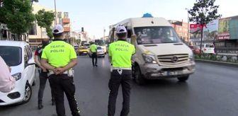 Trafik Şube Müdürlüğü: ESENYURT'TA MİNİBÜSTEN 35 YOLCU ÇIKTI
