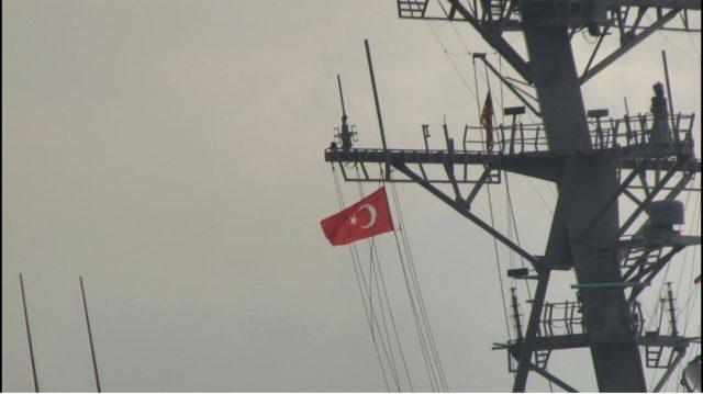 ABD savaş gemisi 'USS Porter' İstanbul Boğazı'ndan geçti