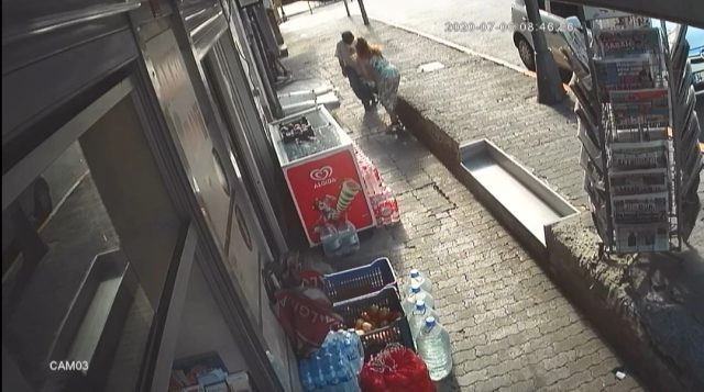 İstanbul'un göbeğinde bir kadının sevgilisi tarafından silahla yaralandığı anlar kamerada