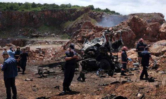 Son dakika: Sakarya'da havai fişek fabrikasındaki malzemeleri taşıyan kamyonda patlama: 3 şehit, 6 yaralı