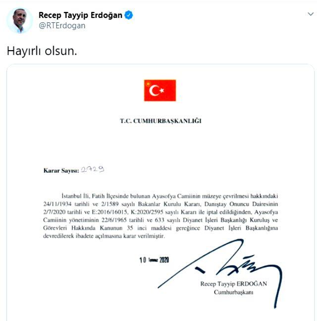 Son Dakika: Cumhurbaşkanı Erdoğan 'Hayırlı olsun' diyerek Ayasofya'da ibadetin önünü açan kararnameyi imzaladı