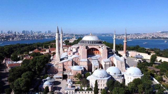 Son Dakika: Cumhurbaşkanı Erdoğan kararnameyi imzaladı! Ayasofya ibadete açıldı