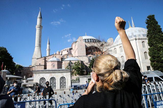 Ayasofya'nın yeniden cami olmasına dünyadan destek yağdı