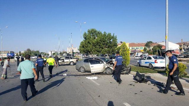 Son dakika haberleri: Karaman'da iki otomobil çarpıştı: 1 yaralı