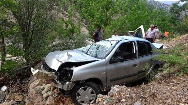 Alanya'da uçuruma yuvarlanan otomobilde bir aile yok oldu: 3 ölü, 4 yaralı