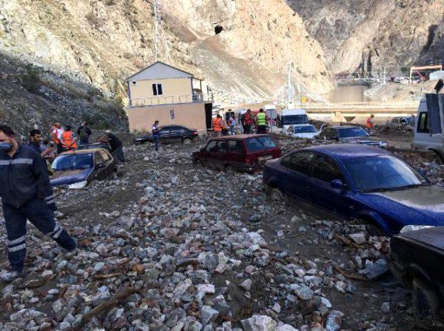 Son dakika: Artvin'deki sel felaketinde bir kişi hayatını kaybetti, 3 kişi kayıp