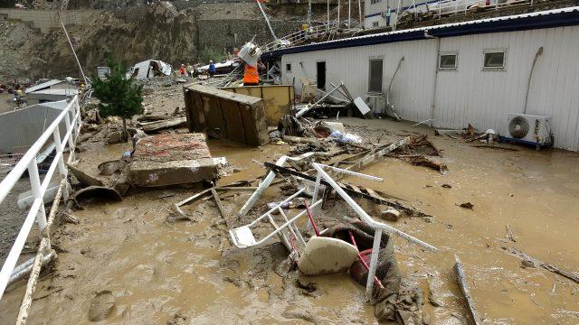 Son Dakika: Artvin'deki sel felaketinde kaybolan 3 kişinin cansız bedenine ulaşıldı