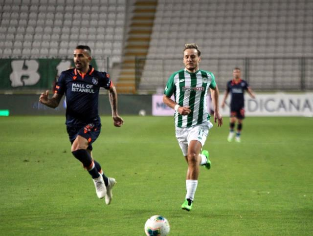 Süper Lig: Konyaspor: 4 M.Başakşehir: 3 (Maç sonucu)