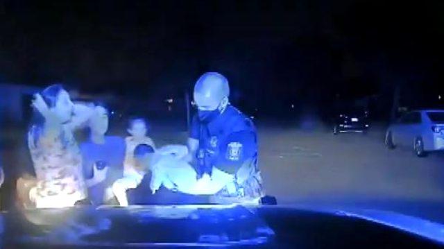 Polis memuru 3 haftalık bebeği ölümden böyle kurtardı
