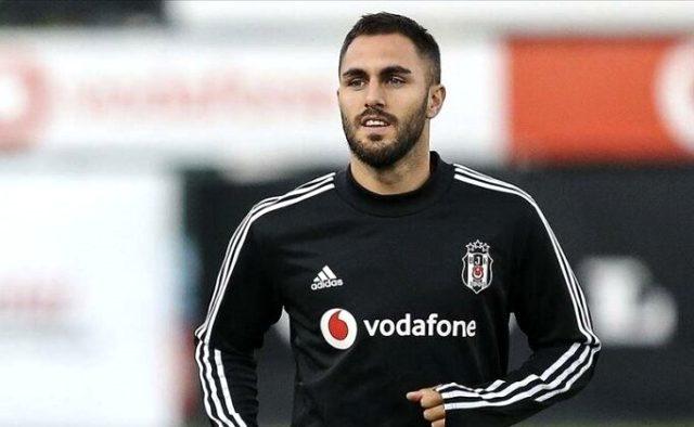 Son Dakika: Beşiktaş ile İspanyol stoper Victor Ruiz'in yolları ayrıldı