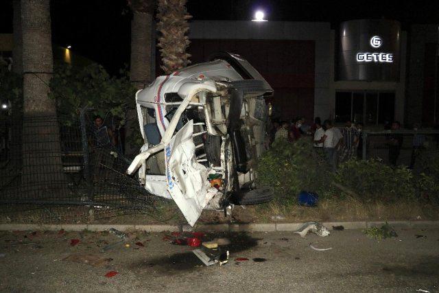 Freni patlayan yolcu otobüsü dehşet saçtı: 8 yaralı