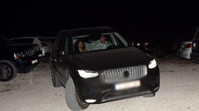 Kameralarda köşe bucak kaçan Cedi Osman ile Ebru Şahin bu kez el ele poz verdi