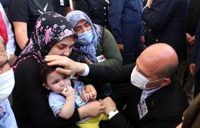 Süleyman Soylu, Van şehidinin gözyaşı döken eşini böyle teselli etti