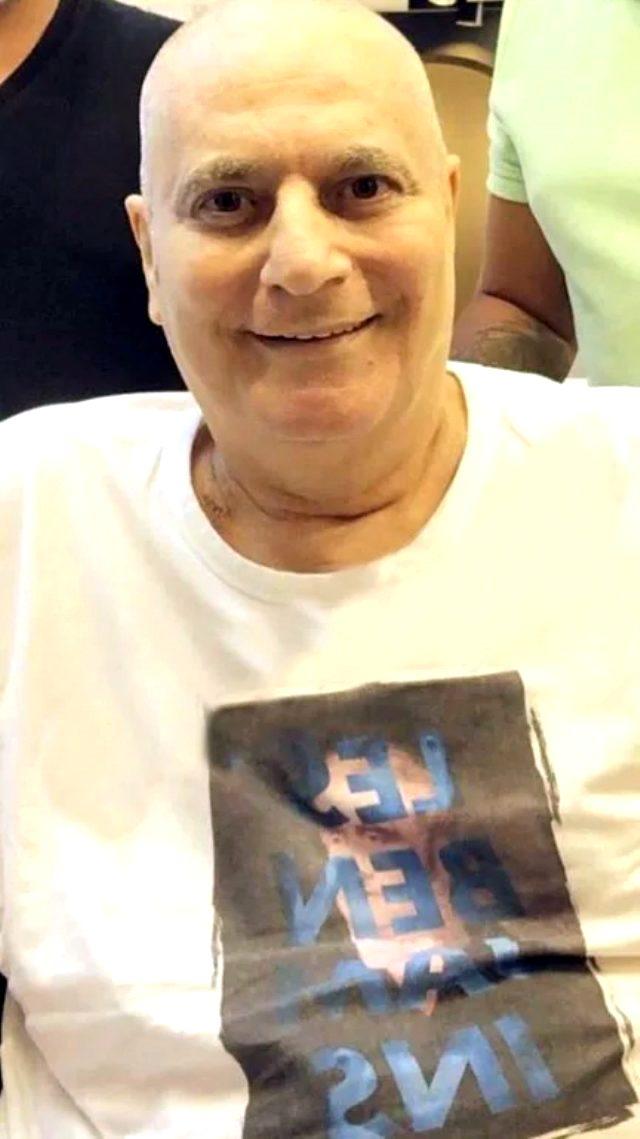 Ünlü şovmen Mehmet Ali Erbil, başladığı kök hücre tedavisi nedeniyle saçlarını kazıttı