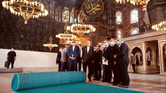 24 Temmuz'da ibadete açılacak Ayasofya Camii'ne serilecek halı ilk kez görüntülendi