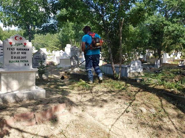 Sungurlu'da mezarlıklar bayram ziyaretine hazırlanıyor
