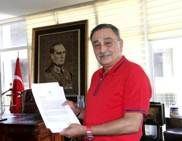 CHP'li eski milletvekili Sinan Aygün 8 yıl önce verdiği sözü tutmak istiyor: Erdoğan'ın elini öpmek için davet bekliyorum