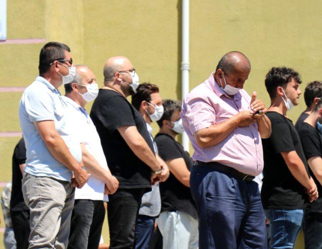 Ünlü şef Mehmet Yalçınkaya'nın acı günü! Babasını son yolculuğuna uğurladı