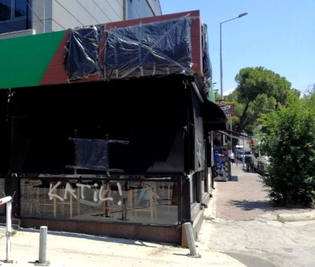 Pınar'ı katleden caninin mekanına yazılan 'katil' yazısı, ailesi tarafından kapatıldı