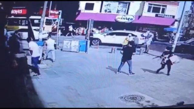 Sokak ortasındaki kanlı infazı kameralar kaydetti