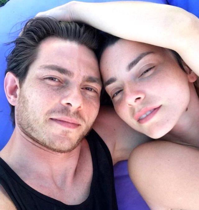 Yeni ilişkisinden dolayı gündemden düşmeyen Merve Boluğur, yatak pozunu paylaştı