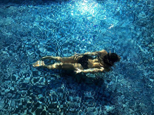 Ünlü oyuncu Demet Özdemir, makyajsız fotoğrafını paylaştı