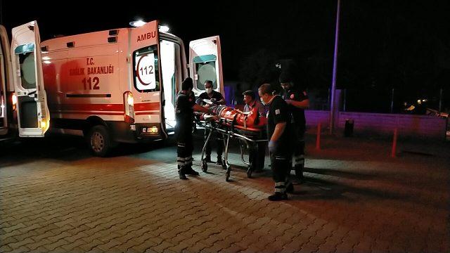 Aralarında husumet bulunan iki aile arasında bıçak ve silahlı kavga: 1 ölü, 3 yaralı