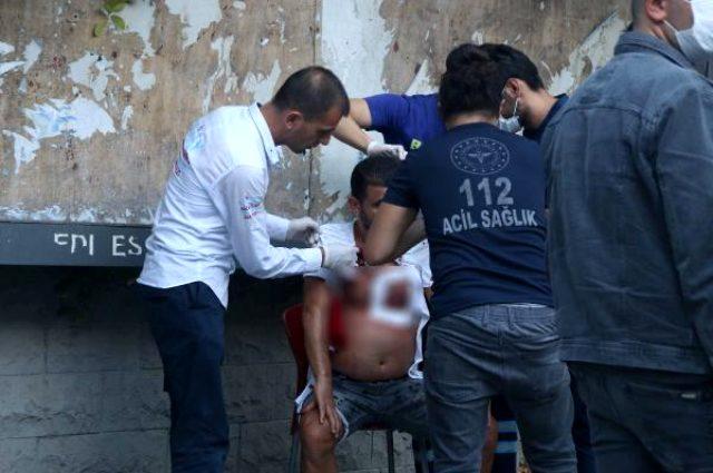 Değnekçi tarafından saldırıya uğradı, kanlar içinde saldırganları aradı