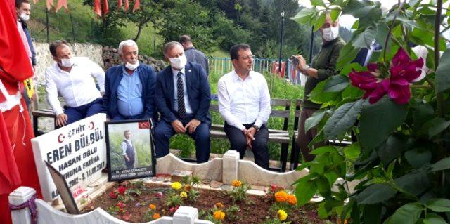 Eren Bülbül'ün annesi oğlunun mezarını ziyaret eden Ekrem İmamoğlu'na kırgın