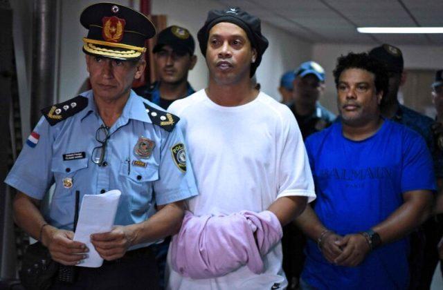 Mart ayında tutuklanan Barcelona efsanesi Ronaldinho, bu ay içerisinde tahliye oluyor