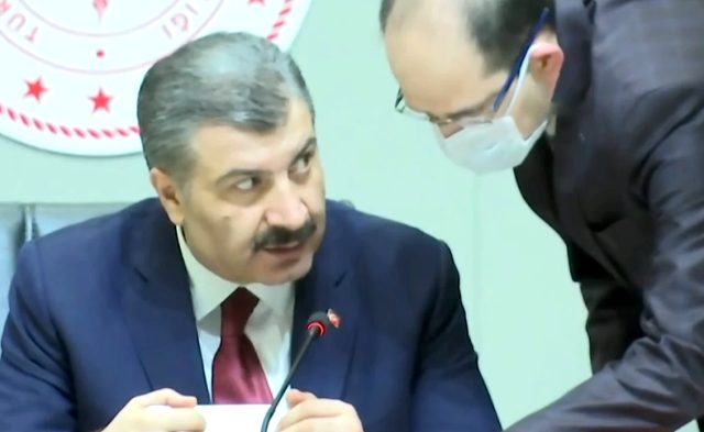 Rapçi Ceza, şarkısında Sağlık Bakanı Fahrettin Koca'ya gönderme yaptı