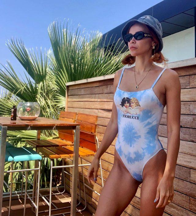 Zeynep Sever Demirel, sosyal medyadan tatil pozu paylaşıp Volkan'a methiyeler düzdü