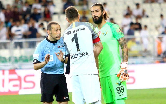Fatih Terim'in onayı sonrası Galatasaray, Fatih Öztürk'le anlaşma sağladı