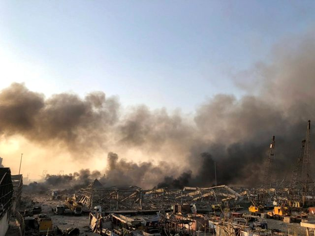 Lübnan'da büyük patlama! Korkunç anlar kameralara böyle yansıdı
