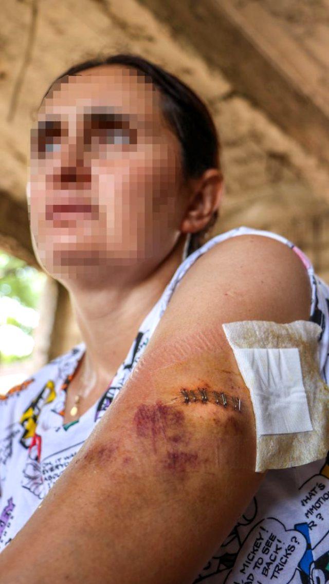 Boşanma isteğini hazmedemeyen koca, 3 çocuğunun gözleri önünde eşine saldırdı