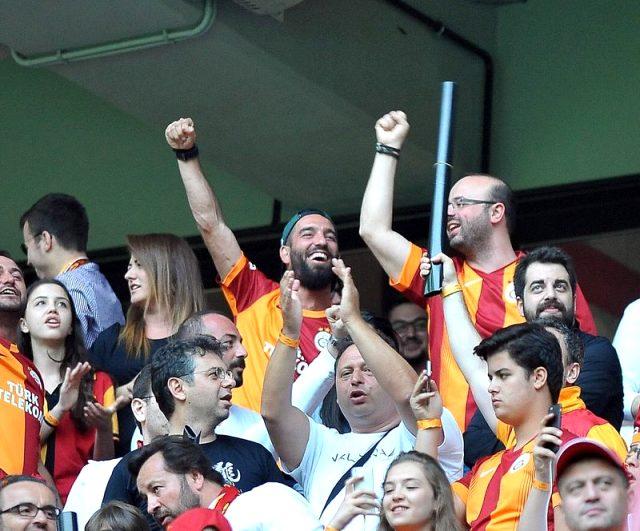Galatasaray, eski yıldızı Arda Turan ile anlaşmaya vardı