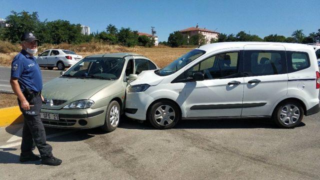 Son dakika haberleri | Samsun'da kavşakta iki otomobil çarpıştı: 5 yaralı