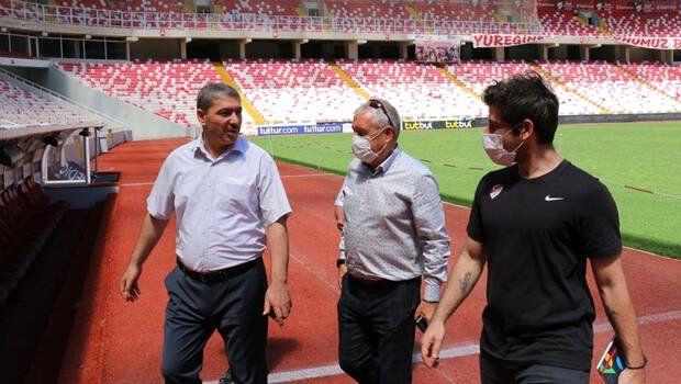 UEFA yetkilileri Sivas Yeni 4 Eylül Stadyumu'nu denetledi