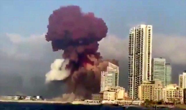 Uzman isim Beyrut'taki patlama esnasında görülen pembe dumanın kaynağına açıklık getirdi
